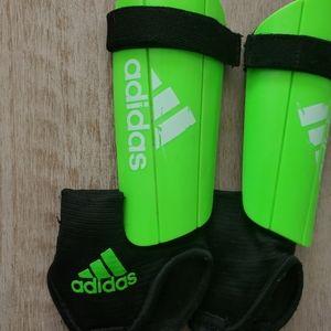 Adidas boys soccer shin guards neon green Sz XS